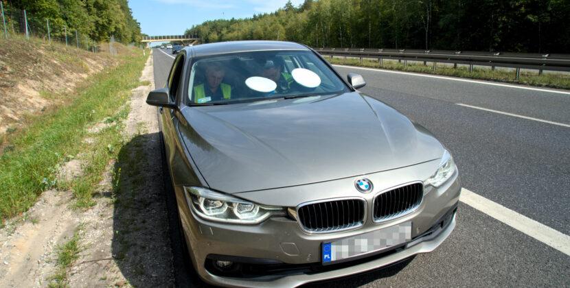 """Policjanci ze specjalnej grupy """"SPEED"""" zatrzymali w kwietniu 200 praw jazdy"""