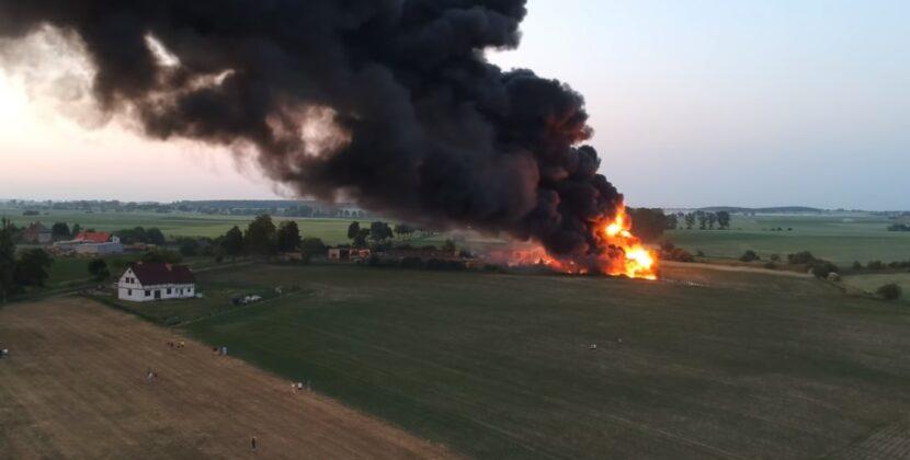 Wielki pożar na wysypisku śmieci pod Mogilnem. Czy to kolejne podpalenie składowiska odpadów?