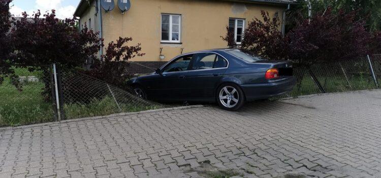 """Kierowca BMW kręcił tak zwane """"bączki"""", przez co stracił prawo jazdy"""