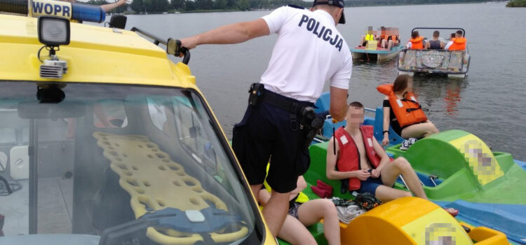 Policja zatrzymała dziesięciu pijanych sterników rowerów wodnych z Bydgoszczy